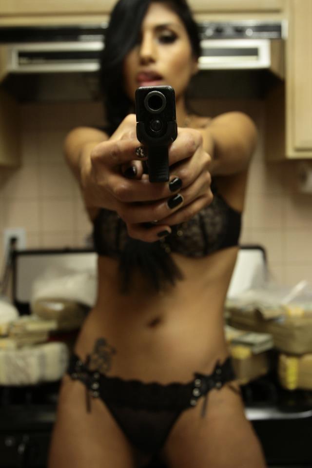 2b548159347a9f63355d69294d7d66a6--girl-guns-bang-bang