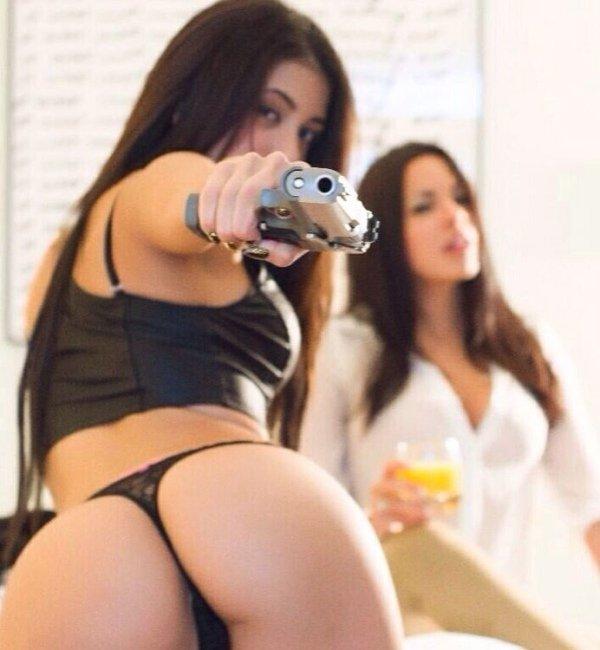 girls-guns-and-military-monday-funs-254